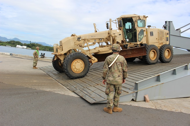 599th Trans partners with 931st ETOE for offload