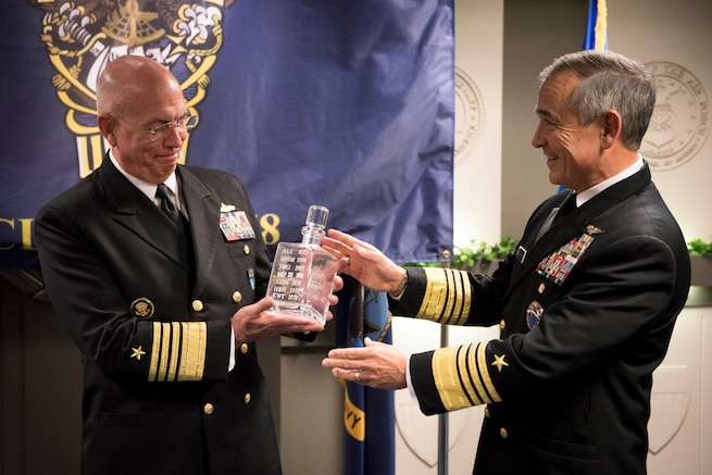 Pacom's Harris Passes 'Old Goat' Award to Southcom's Tidd