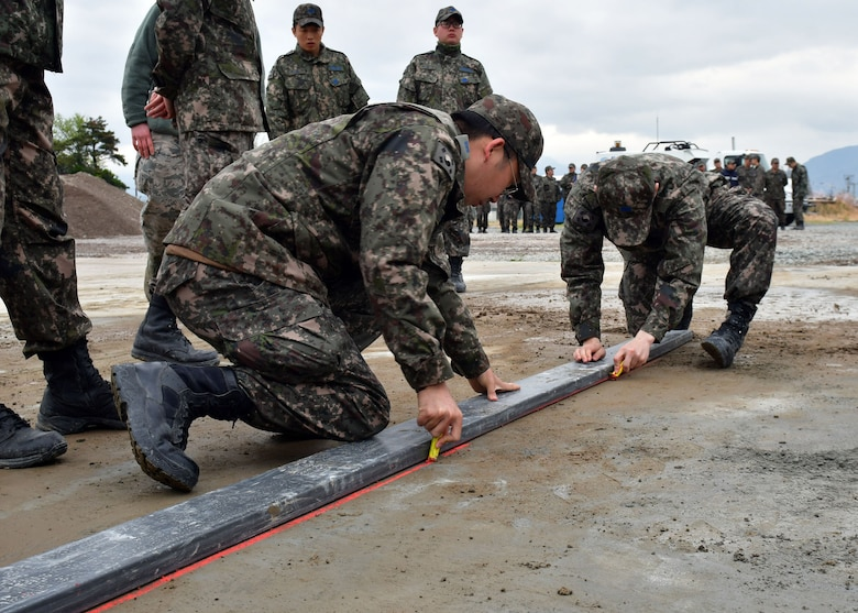 USAF and ROKAF conduct annual base recovery training