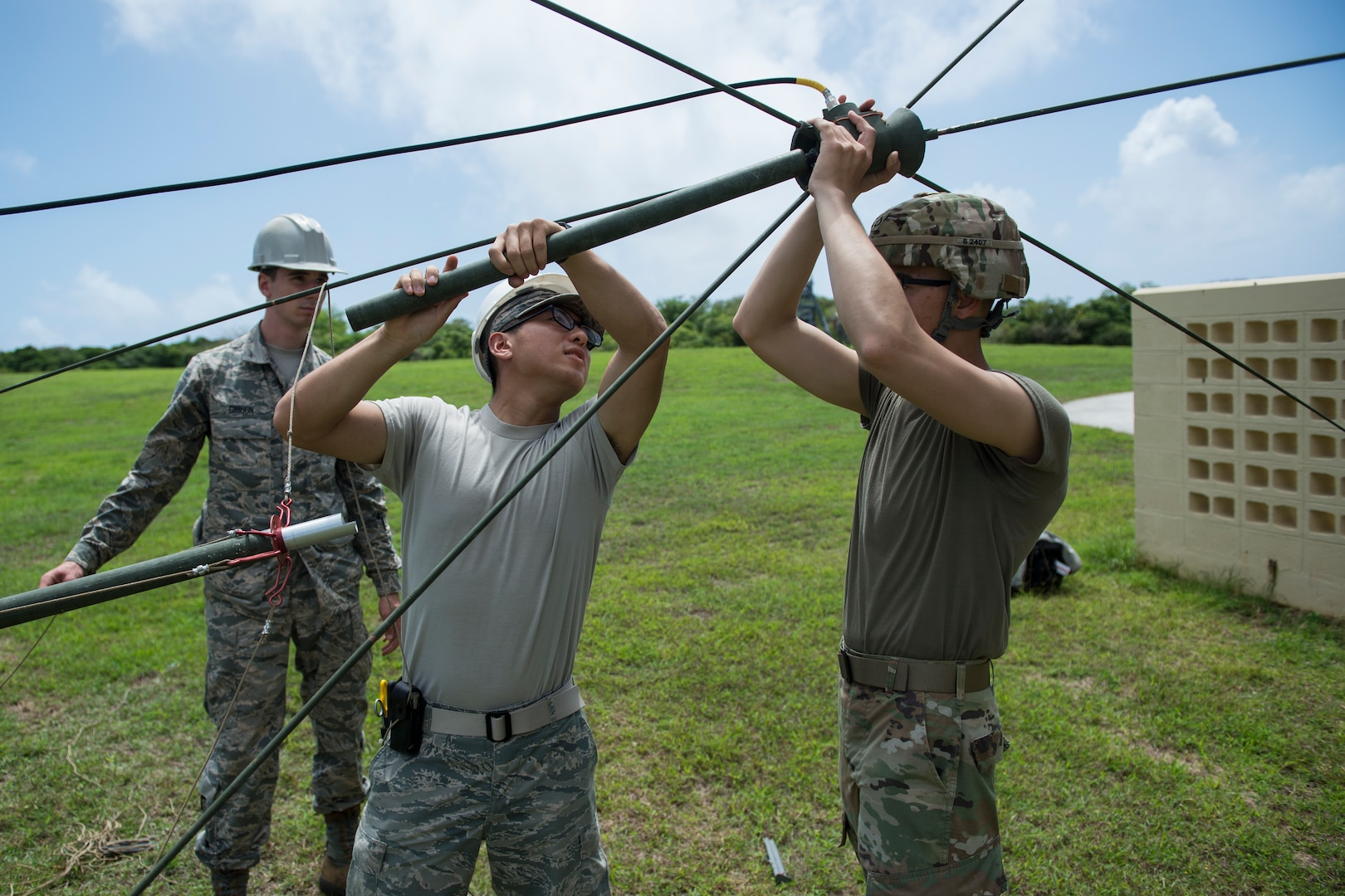 Joint communications training: Soldiers, Airmen make the connection