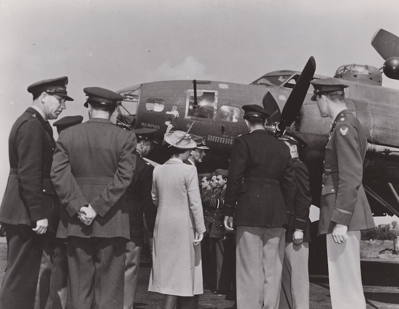 On May 26, 1943, King George VI and Queen Elizabeth visited the Memphis Belle crew at Bassingbourn after they finished their tour.
