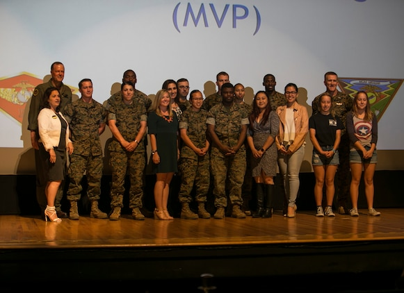MCAS Miramar awards volunteers