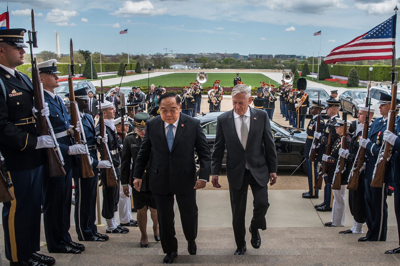 Readout of Secretary James N. Mattis' meeting with Thailand's Deputy Prime Minister and Minister of Defence General Prawit Wongsuwan