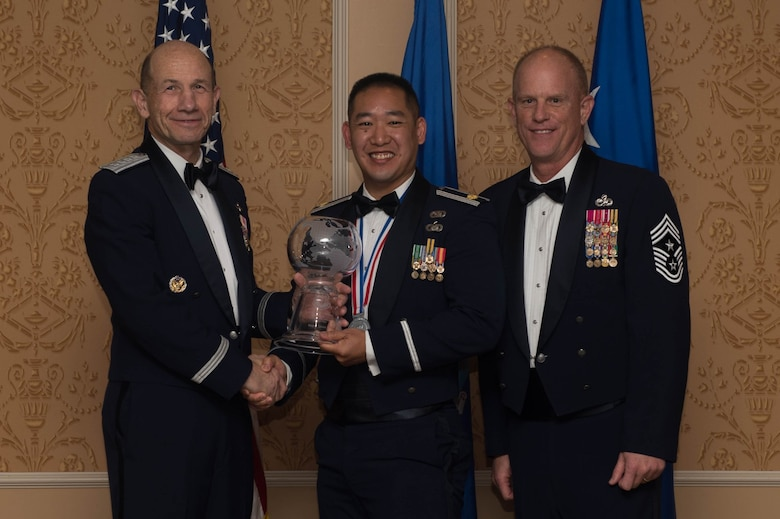 ACC Outstanding Field Grade Officer of the Year, Major Vuoc Vo, United States Air Force Warfare Center
