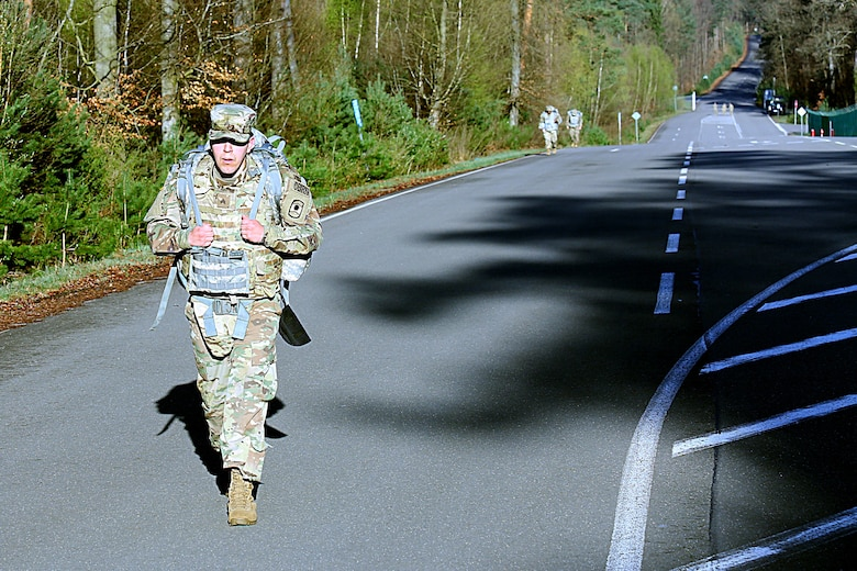 Two 7th MSC Soldiers advance to USARC Best Warrior Competition