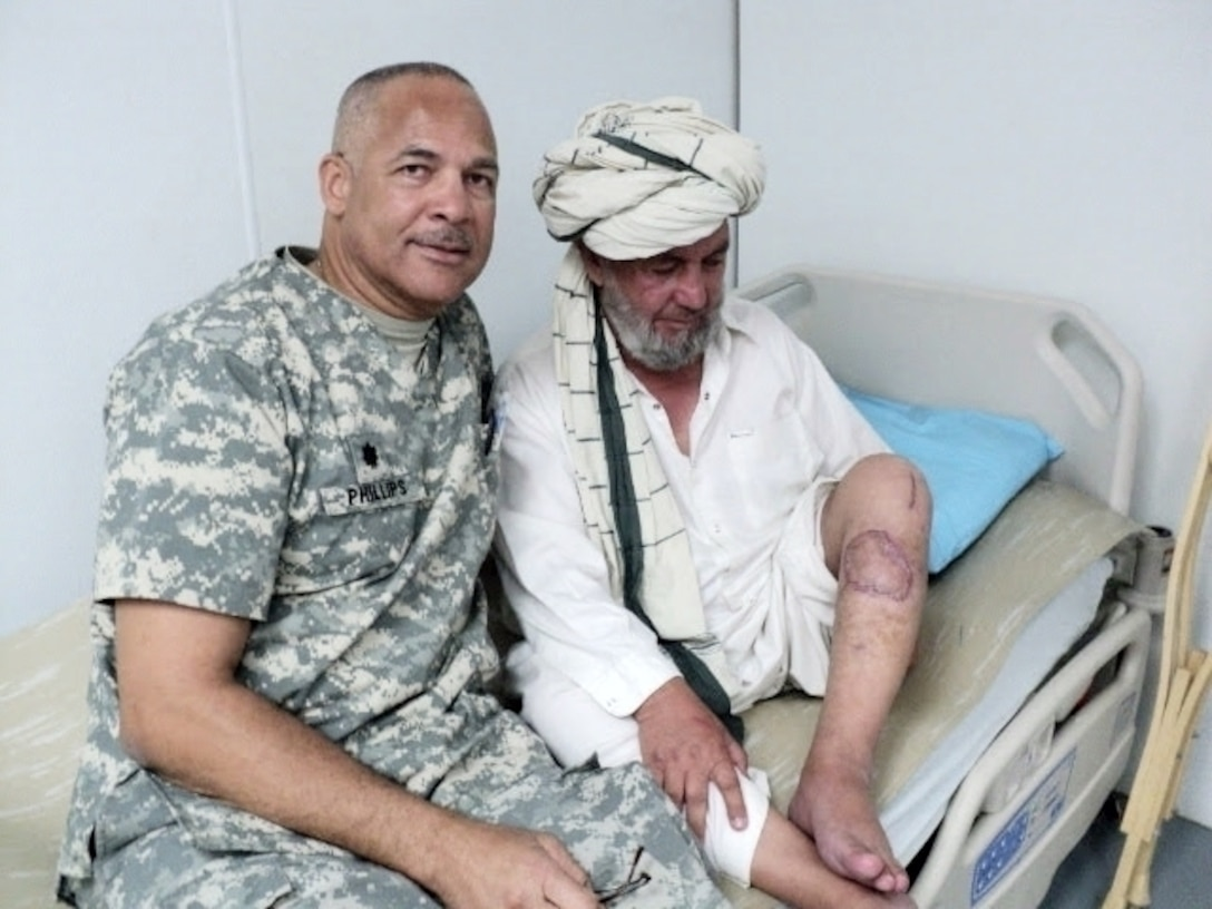 Army Reserve surgeon answers the call