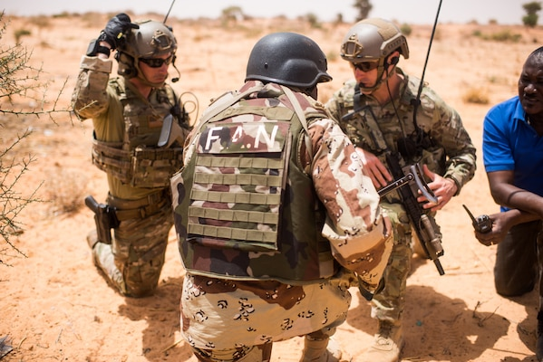 Nigerien Armed Forces conduct a key leader engagement training with 20th Special Forces Group  during Flintlock 18 in Niger, Africa, on April 16, 2018. Flintlock 2018, hosted by Niger, with key outstations at Burkina Faso and Senegal, is designed to strengthen the ability of key partner nations in the region to counter violent extremist organizations, protect their borders, and provide security for their people.
