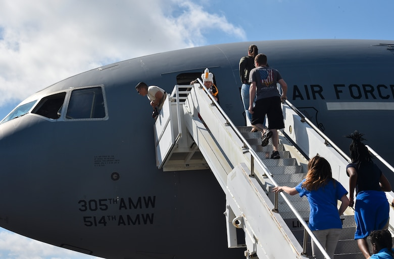 Attendees tour a KC-10 Extender during the 2018 Air and Space Expo rehearsal at Joint Base Charleston, S.C., April 27, 2018.