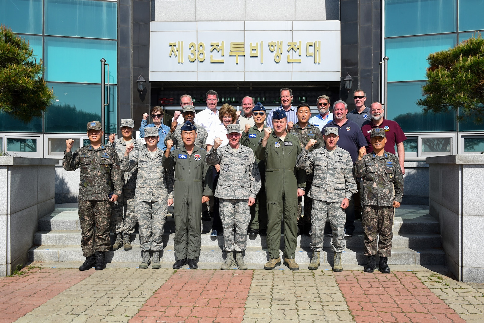 CSAF's Civic Leaders visit the Wolf Pack, Republic of Korea Air Force