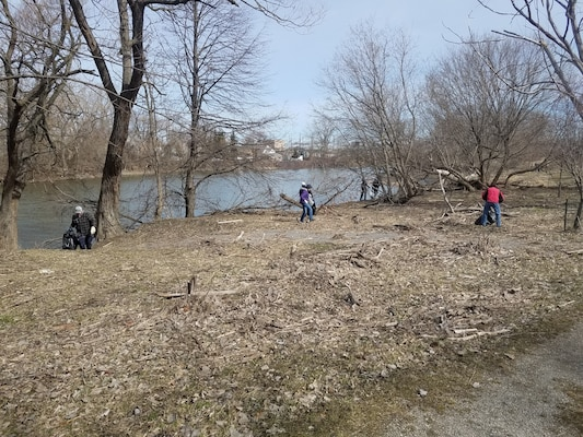 Volunteers with Buffalo Niagara Waterkeepers cleanup Seneca Bluffs Park on Earth Day, Apr. 21, 2018. The park is the site of a U.S. Army Corps of Engineers, Buffalo District habitat restoration project.