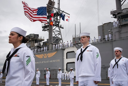 USS Bonhomme Richard Arrives in Pearl Harbor, Joins 3rd Fleet