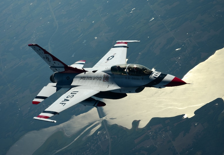 Refueling Thunderbirds Gt Mcconnell Air Force Base Gt News