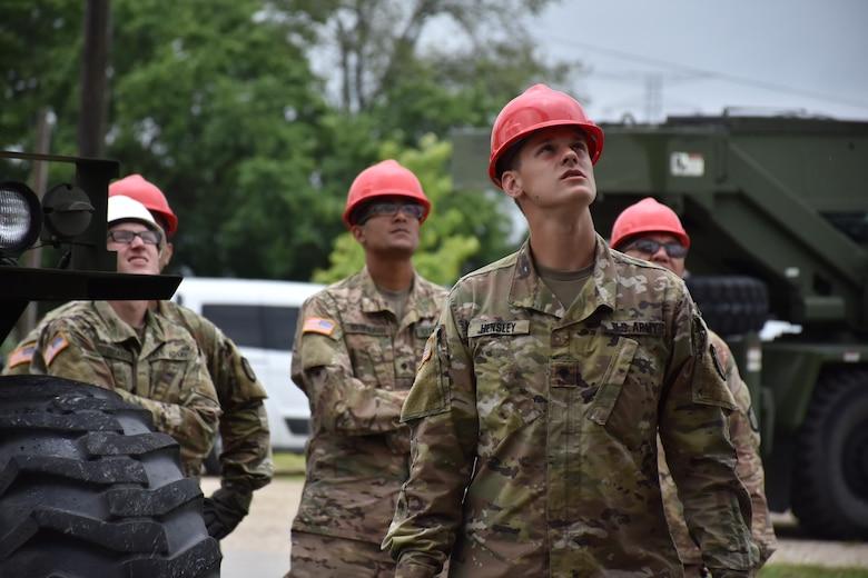 Engineers Go Vertical Troop Project Enhances Training Capabilities For Lta U S Army Reserve News Display