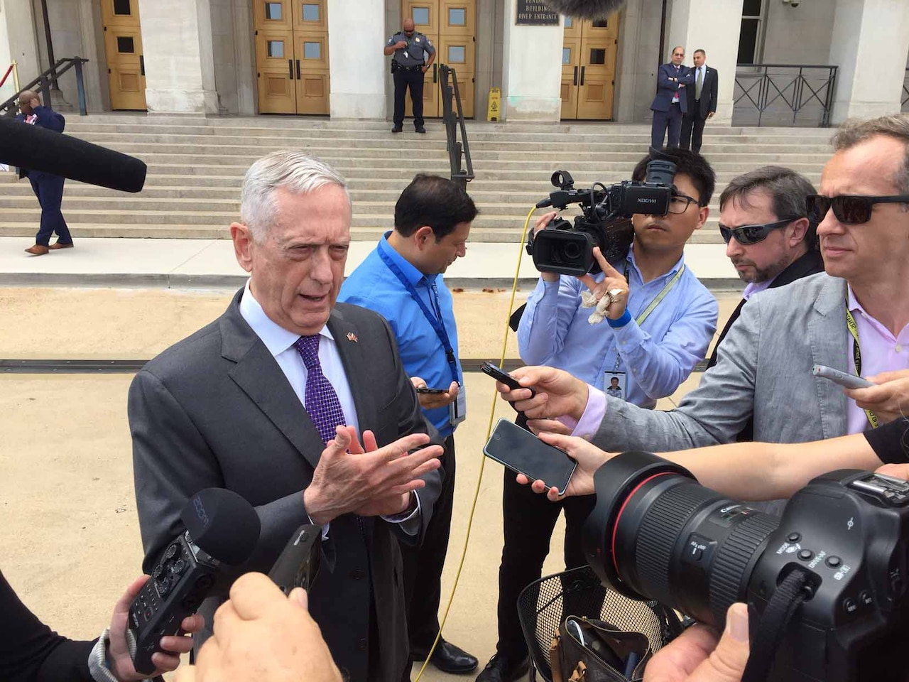 Defense Secretary James N. Mattis discusses the South Asia Strategy with reporters outside the Pentagon, Aug. 7, 2018. DoD photo by Jim Garamone