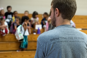Whiteman Elementary staff and students begin the first day of school.