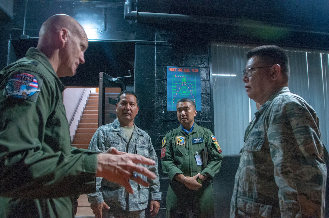 Maj. Gen. James O. Eifert, Air National Guard Assistant to the Commander, Pacific Air Forces leads a discussion on air defense concepts during a visit to the Philippine Air Defense Control Center