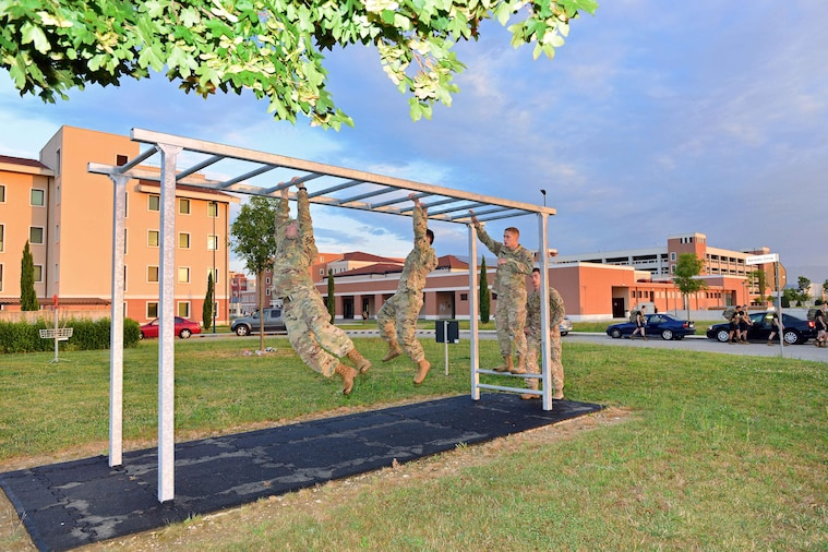 Paratroopers navigate through an obstacle course at Caserma Del Din, Vicenza, Italy, Aug. 10, 2018.
