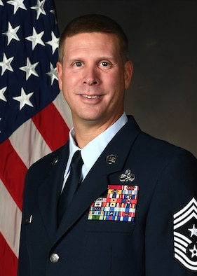 Chief Master Sergeant Kennon D. Arnold, command chief master sergeant, Air Force Research Laboratory