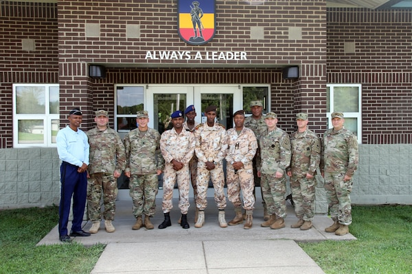 Kentucky Guard Members Share Training Practices With Djibouti