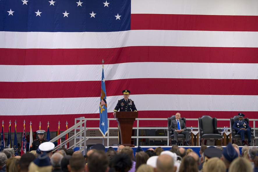 U.S. Army Gen. Stephen R. Lyons thanks family, distinguished guests and military members in his first address as commander of U.S. Transportation Command after a change of command ceremony, Aug. 24, 2018, at Scott Air Force Base, Illinois.