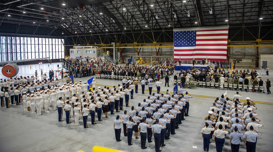 U.S. Army Gen. Stephen R. Lyons receives his first salute as the U.S. Transportation Command at a change of command ceremony, Aug. 24, 2018, at Scott Air Force Base, Illinois.