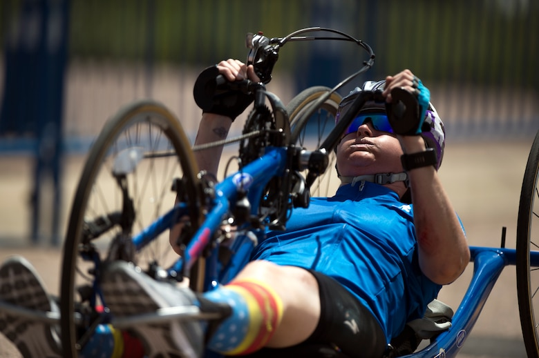 Master Sgt. Lisa Goad, Team Air Force athlete, powers a hand cycle during the 2018 Department of Defense Warrior Games time trials competition at the U.S. Air Force Academy in Colorado Springs, Colo. on June 6. (DoD photo by EJ Hersom)
