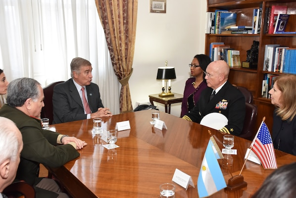 Adm. Kurt Tidd meets with Argentine Minister of Defense Oscar Aguad.