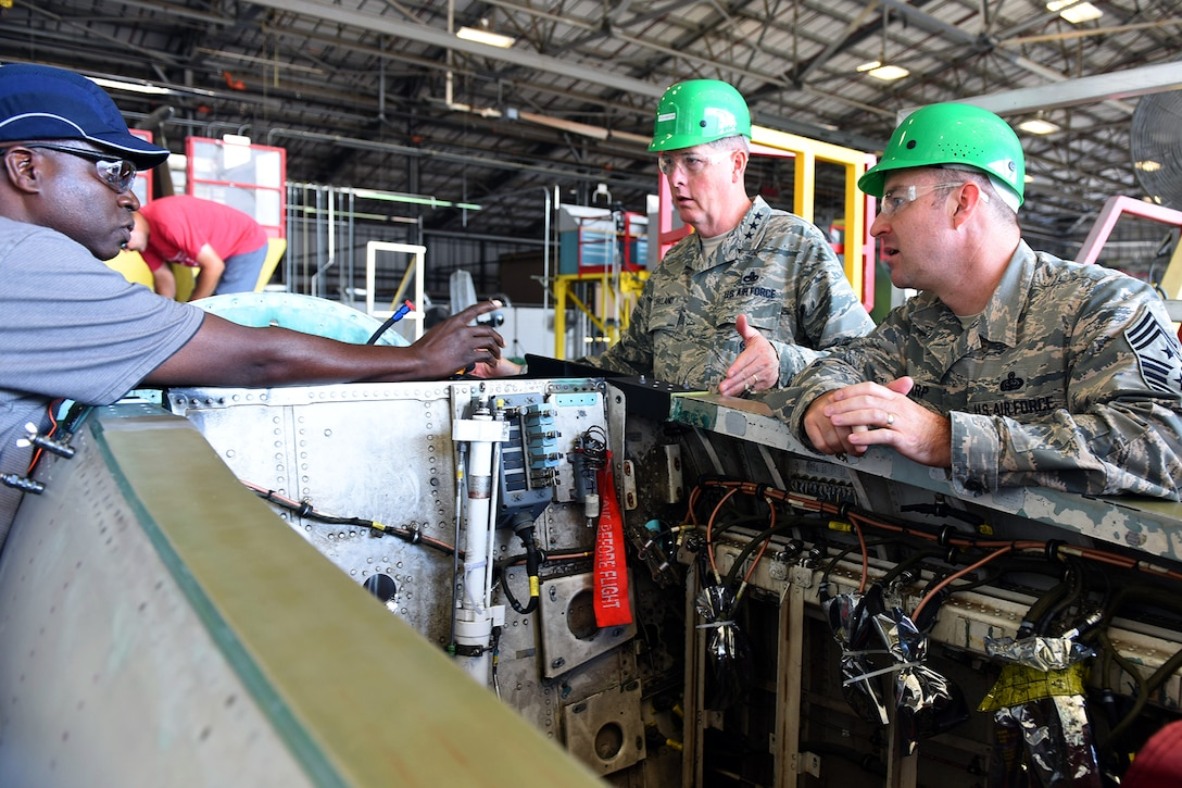 Air Force Sustainment Center commander visits Robins