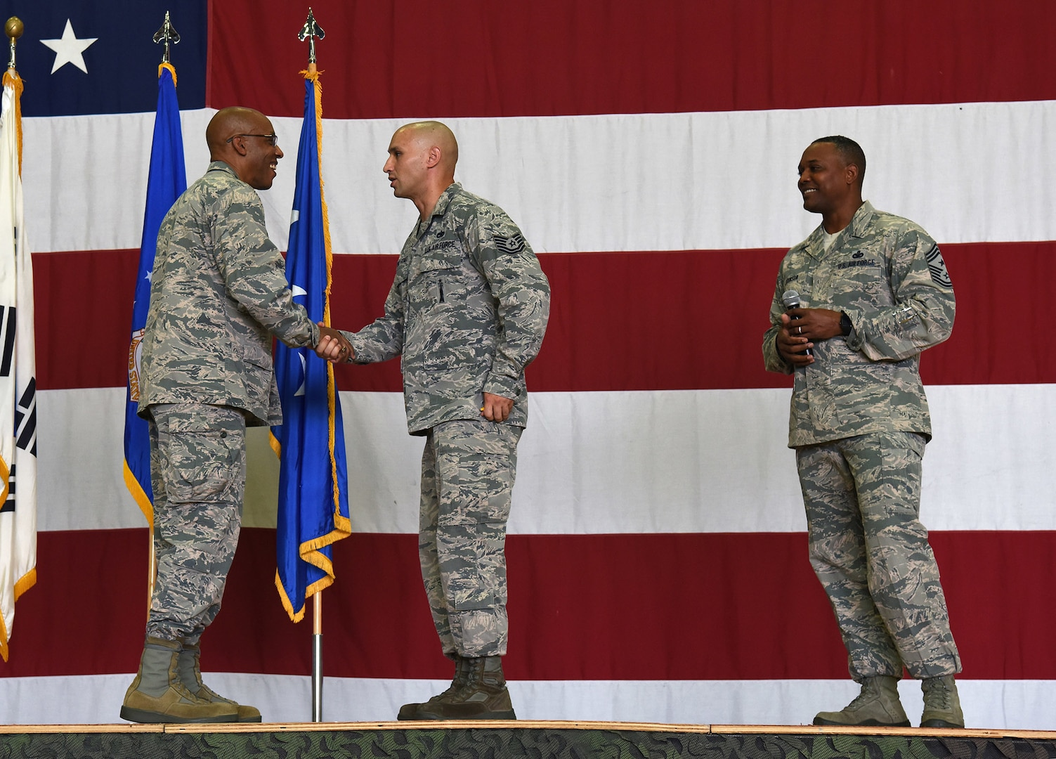 Brown thanks Airmen, outlines priorities during Osan visit