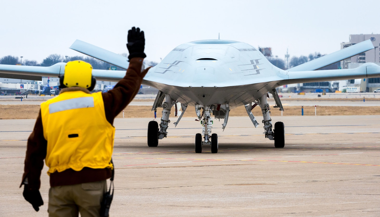 Boeing conducts MQ-25 deck handling demonstration at its facility in St. Louis, Mo.