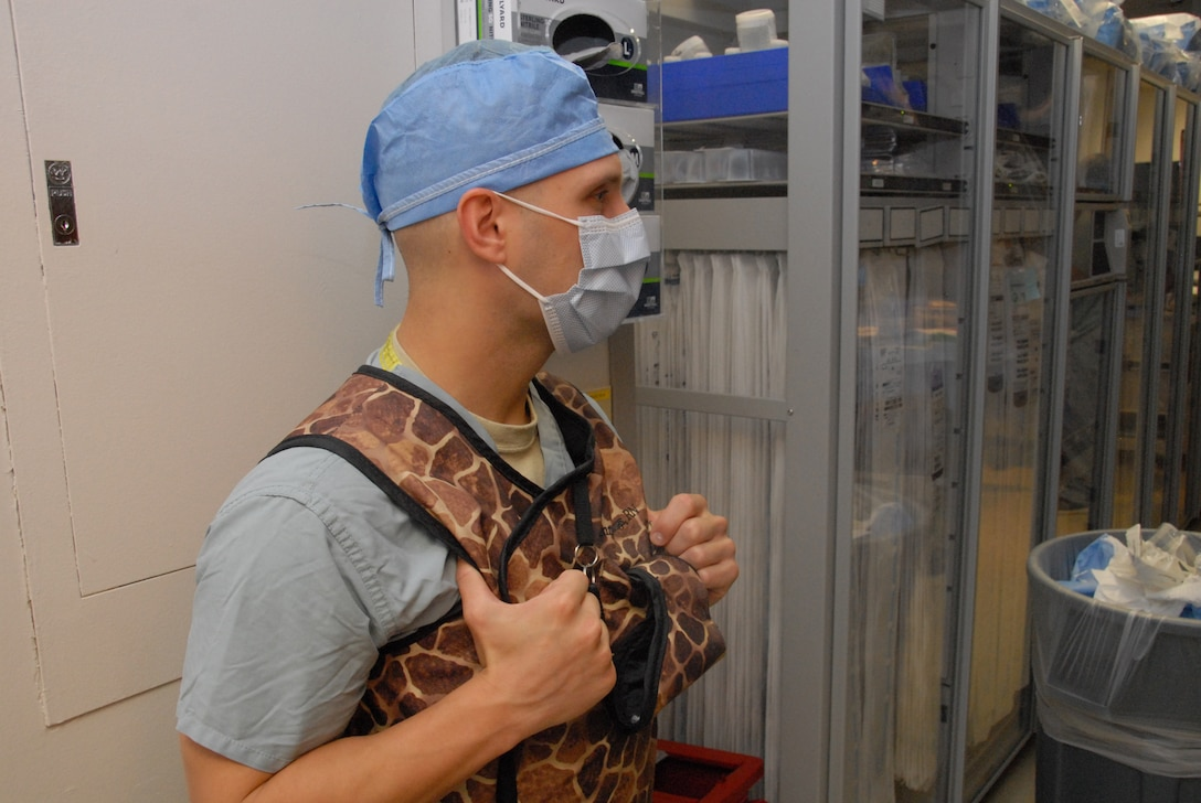 Oregon Air National Guard Staff Sgt. Gregory Snegireff, a medic with the 142nd Medical Group, observes a pacemaker procedure in the Cardio Cath Lab at Tripler Army Medical Center, in Honolulu, Hawaii, Aug. 29, 2018. Snegireff and his fellow Airmen took part in Medical Facilities Annual Training, Aug. 18-31, 2018, and were able to assist in a real-world support mission when Hurricane Lane threatened to strike the Hawaiian Islands the week of Aug. 20, 2018. (U.S. Air National Guard photo by Master Sgt. Nick Choy)