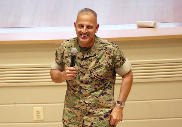 Marine Corps acquisition workforce recognized for professional excellence in 2017