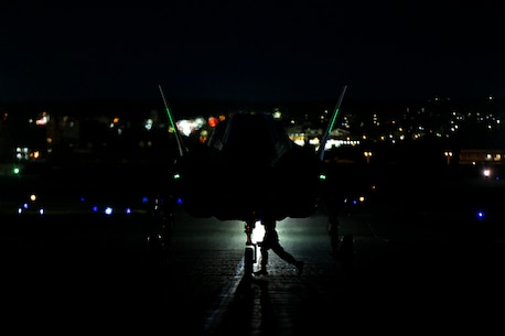 An F-35B Lightning II jet with Marine Fighter Attack Squadron 121 taxis the flight line at Kadena Air Base, Okinawa, Japan, Aug. 17, 2018.
