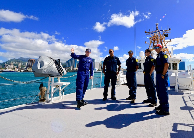 Coast Guard, Honolulu City and County complete successful response exercise off Oahu