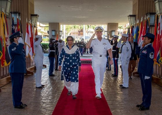 India's Minister of Defence, Nirmala Sitharaman, and Commander, U.S. Indo-Pacific Command (USINDOPACOM), Adm. Phil Davidson are piped aboard during an honors ceremony at USINDOPACOM headquarters. India and the U.S. are global partners in defense and security and are working together to assure a free and open Indo-Pacific.