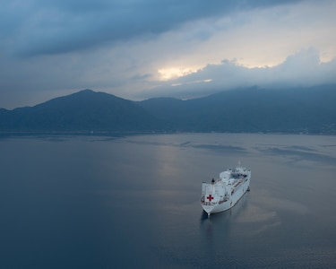 he hospital ship USNS Comfort (T-AH 20) is anchored off the coast of Honduras as part of an 11-week medical support mission to Central and South America as part of U.S. Southern Command's Enduring Promise initiative.