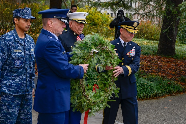 U.S. Army Brig. Gen. Brad Owens, director of joint staff for the South Carolina National Guard, and U.S. Air Force Brig. Gen. Scott Lambe, assistant adjutant general for air, South Carolina National Guard, place a wreath at the South Carolina Armed Forces Memorial at the South Carolina State House, Dec. 10, 2018.  The wreath is placed to honor the service men and women who served in the Armed Forces and made the ultimate sacrifice.