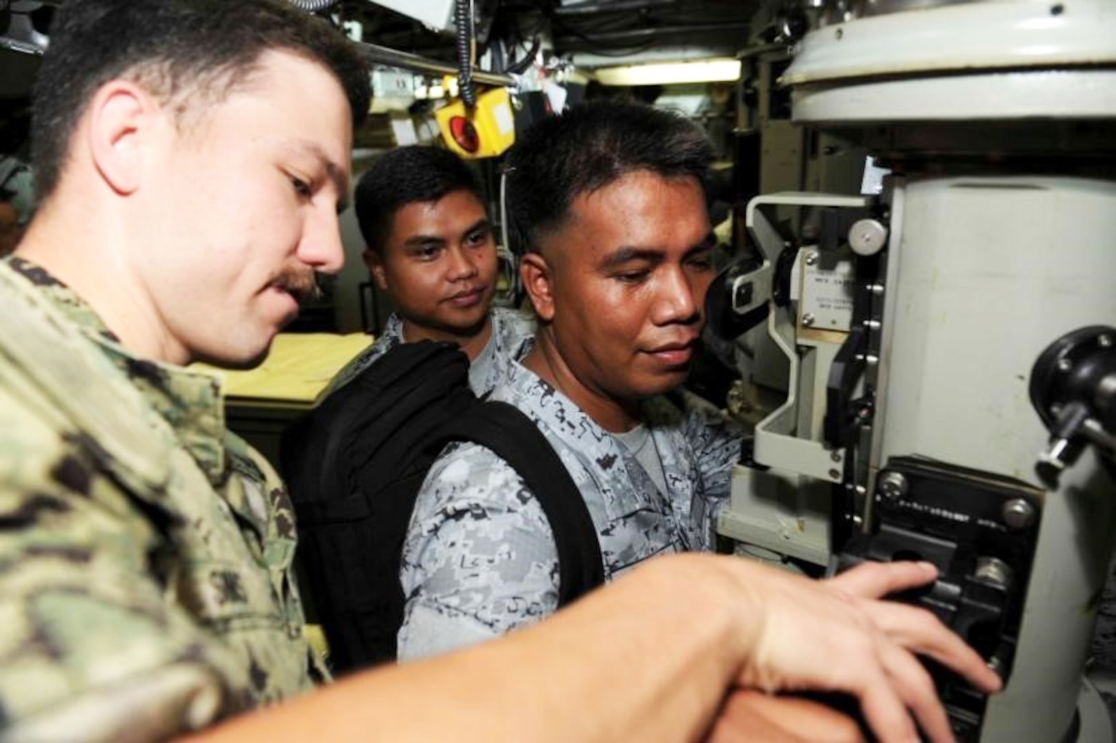 USS Greeneville and Emory S. Land host Philippine Delegates Aboard Ship, Submarine during Port Visit