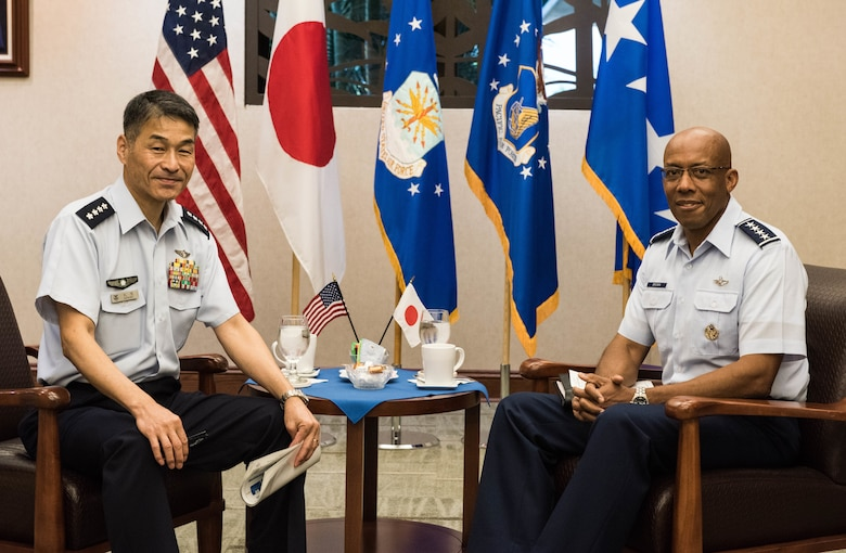 Gen. CQ Brown, Jr., Pacific Air Forces commander, hosted Gen. Yoshinari Marumo, Japanese Air Self-Defense Force chief of staff, at Headquarters PACAF on Joint Base Pearl Harbor-Hickam, Hawaii, Dec. 4, 2018. As part of his trip, Marumo met with PACAF leadership to discuss the PACAF strategy and future engagements. The U.S. and Japan routinely work together to promote security cooperation and support a free and open Indo-Pacific region. (U.S. Air Force photo/Staff Sgt. Hailey Haux)