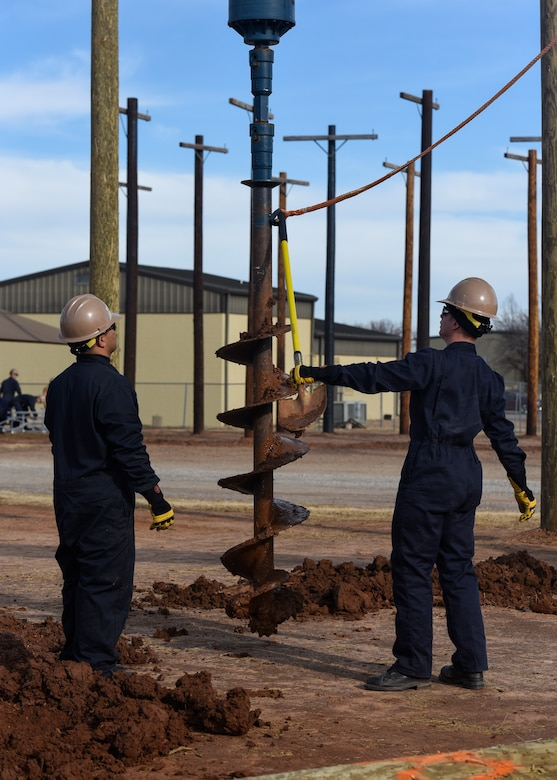 Navy constructionman recruits train at Sheppard AFB