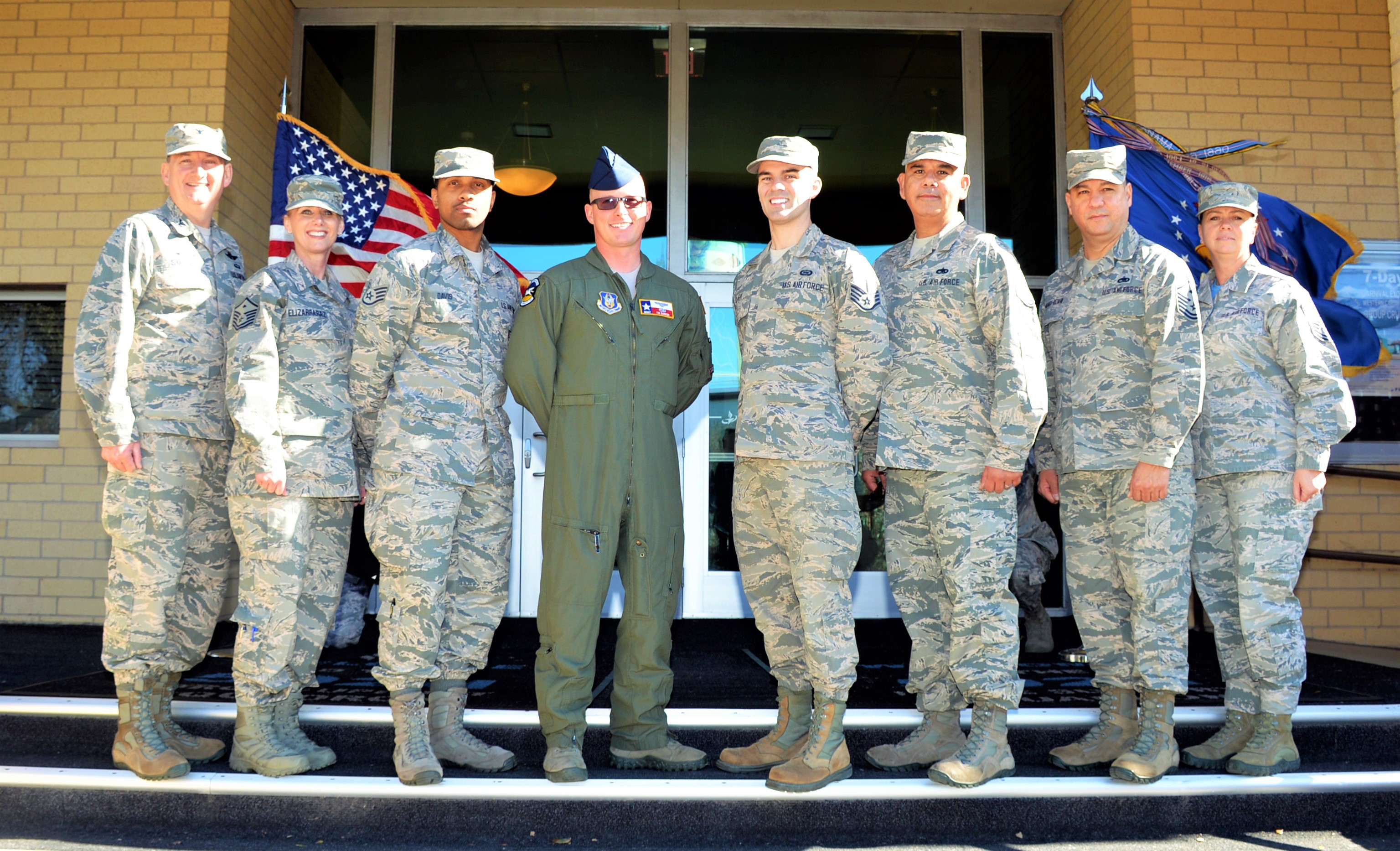 433rd Airlift Wing Hosts Joint Ccaf Graduation Gt 433rd