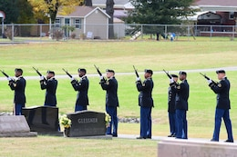FORT KNOX, Ky. - Soldiers from the 1st Theater Sustainment Command funeral detail firing squad stand ready to fire their weapons, Nov. 5. The Soldiers gave full military honors to deceased Lt. Gen. Richard Lynch. (U.S. Army photos by Mr. Eric Pilgrim)