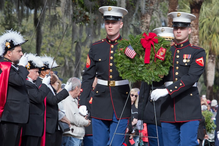 Services members, veterans, and families take part in Wreaths Across America at Beaufort National Cemetery, Dec. 15, 2018. Wreaths were laid to honor the fallen during the holidays. (U.S. Marine Corps photo by Cpl. Kathryn M. Adams/Released)