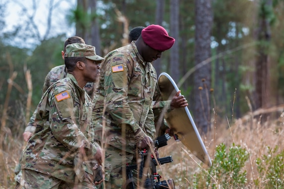 Army Reserve Combat Camera Soldiers Produce Army's First Hip Hop Video