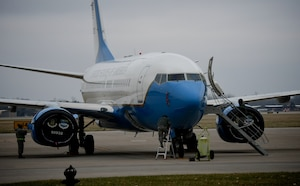 932nd Maintenance Group Airmen move in to position to complete post-mission aircraft checks on a C-40 plane following its return to Scott Air Force Base, Illinois, on Dec. 21, 2018.  Maintainers are constantly executing their mission: The 932nd Airlift Wing's Maintenance Group (MXG), is responsible for leading people who are always training and equipping to inspect, maintain and repair Air Force Reserve Command C-40C planes at Scott Air Force Base. The 932nd MXG's management of resources improves the wing's professionalism and enables the 932nd Operations Group's C-40C pilots to fly distinguished visitor (DV) airlift around the world, anywhere they are needed by the nation's leaders.  The Illinois unit, which is part of 22nd Air Force, under Air Force Reserve Command, flies four of the C-40C planes worldwide. (U.S. Air Force photo by Lt. Col. Stan Paregien)