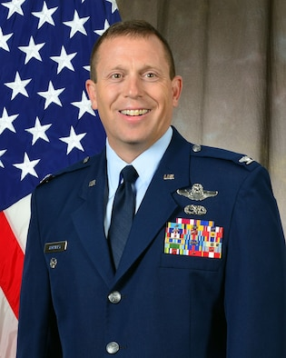 Official Portrait Colonel M Lee Hartley, Jr