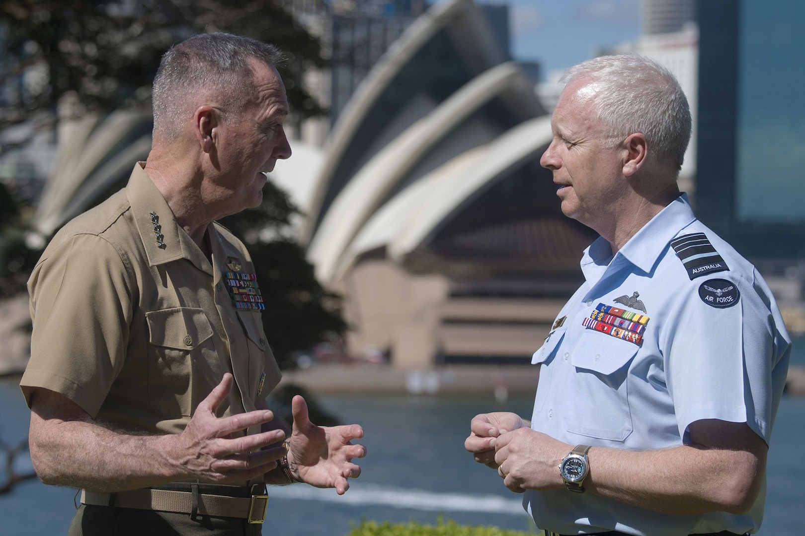 Dunford Visits With Australian Chief of Defense, Moves on to Thailand