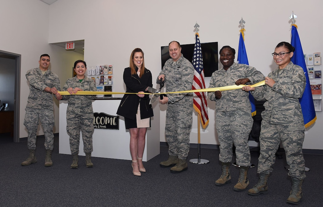 Whiteman Welcome center opens
