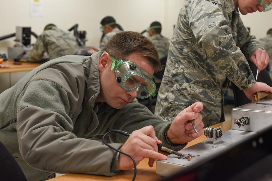 365th Training Squadron avionics fundamentals course