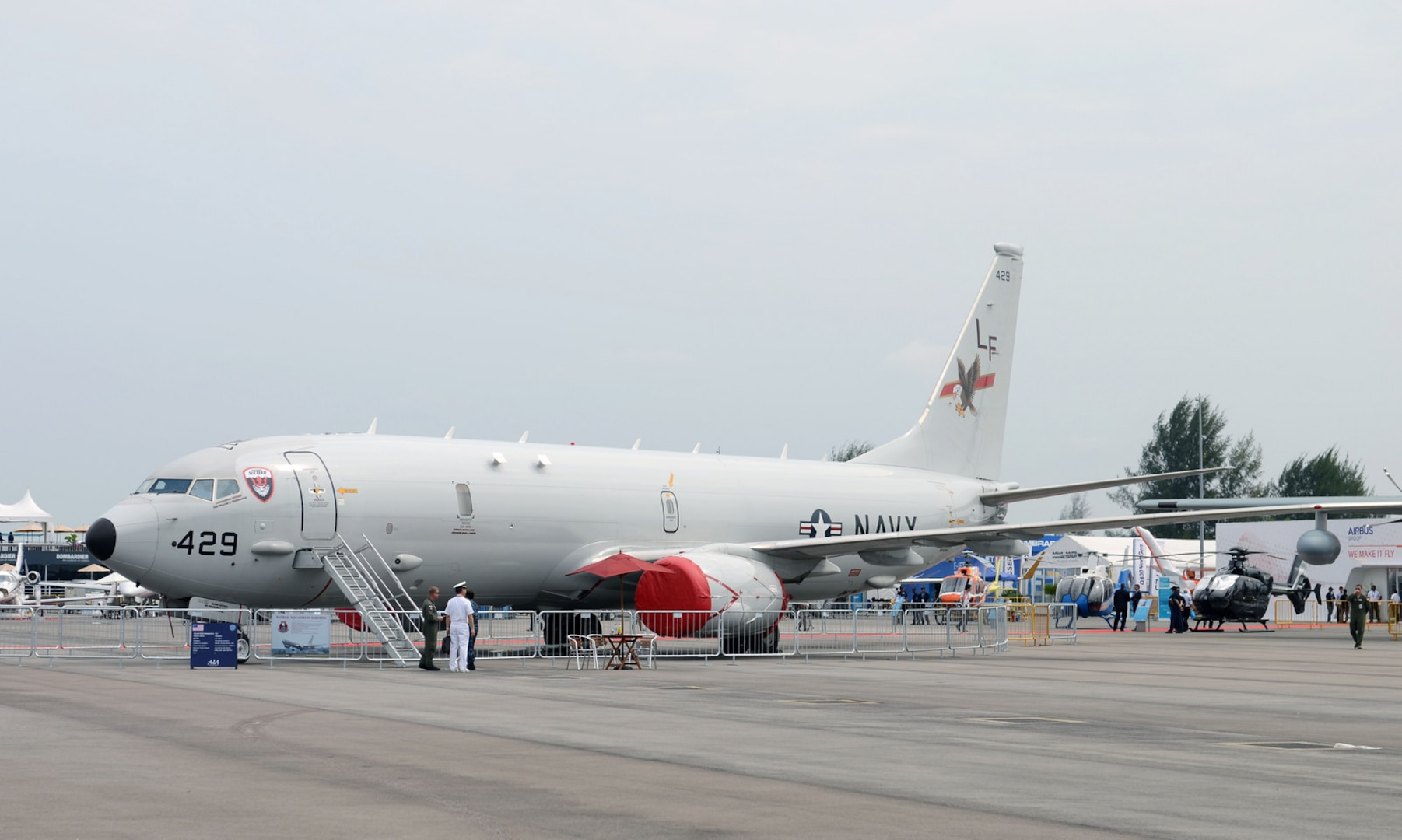 U.S. Navy aircraft participate in Singapore Airshow
